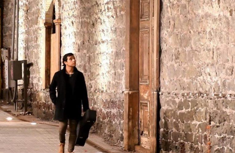 """Por la Calles"" es el nombre del tema del compositor Iquiqueño ""Chacha Jila"""